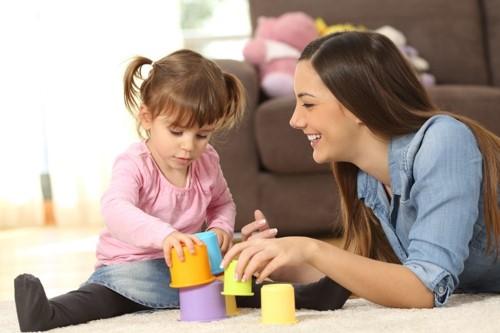 les activités ludiques avec la baby-sitter